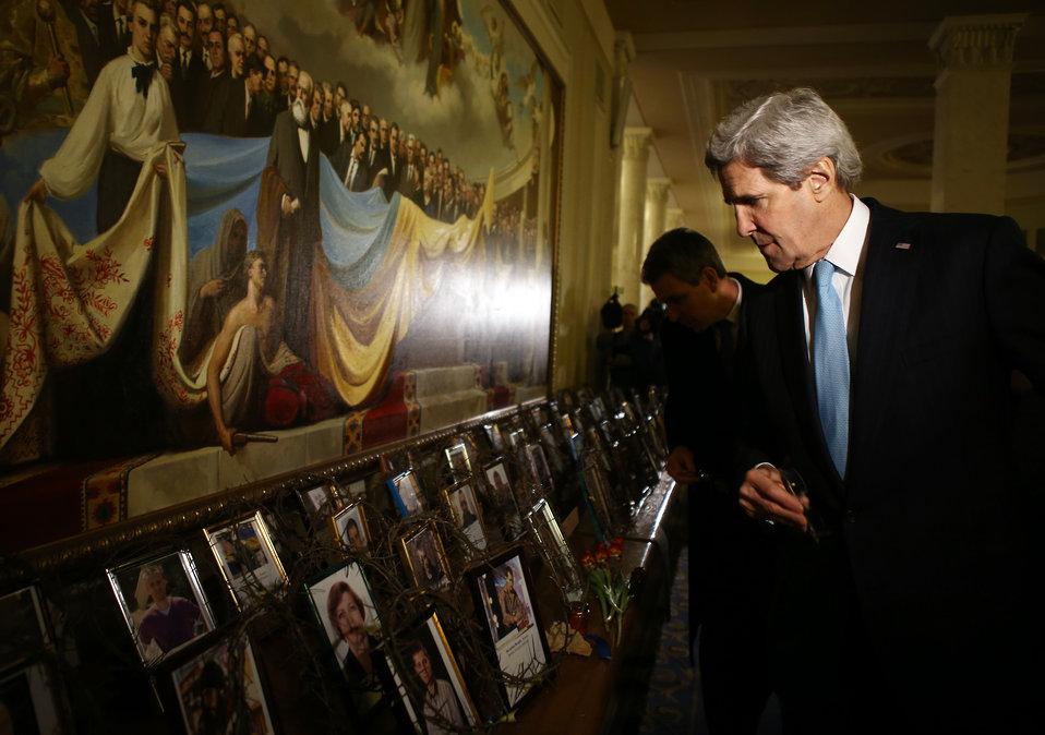 Secretary Kerry Views Photos of Those Killed at Maidan
