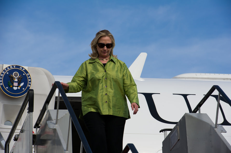 Secretary Clinton Arrives in Bali