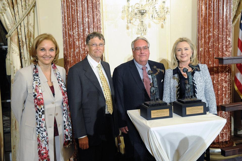 Secretary Clinton Poses for a Photo With Awardees Bill Gates, Howard Buffett, and WFP Executive Director Josette Sheeran