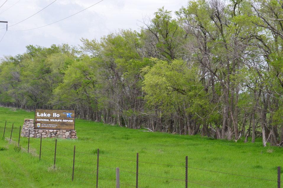 Lake Ilo NWR sign