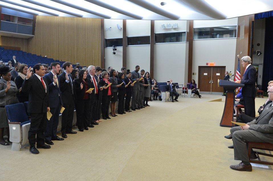 Secretary Kerry Swears in a Civil Service Orientation Class
