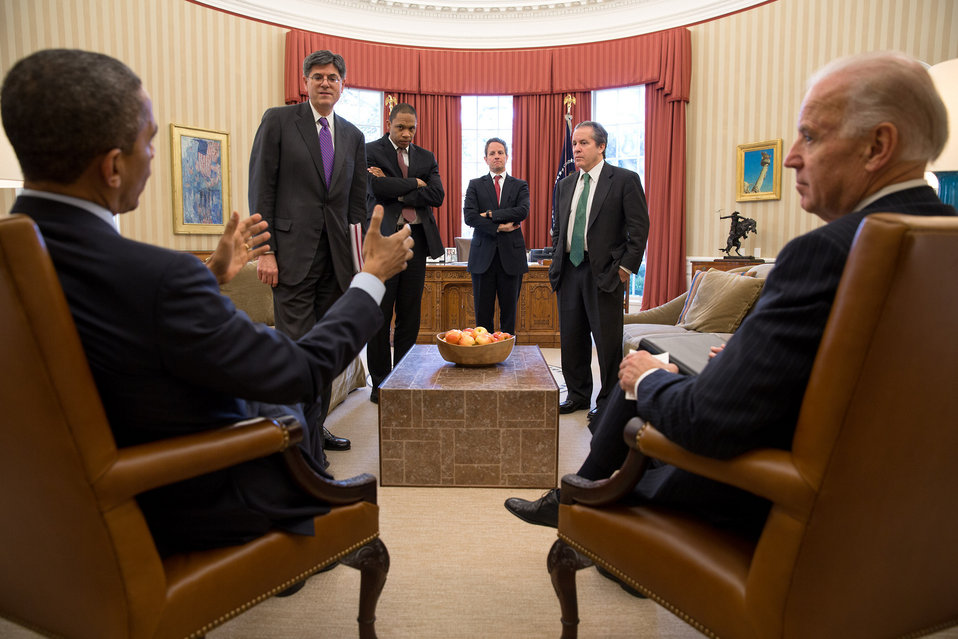 Secretary Geithner attends meeting in the Oval Office