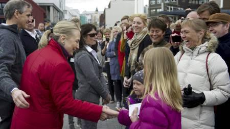 Secretary Clinton and Norwegian Foreign Minsiter Store Meet and Greet Norwegians in Tromso