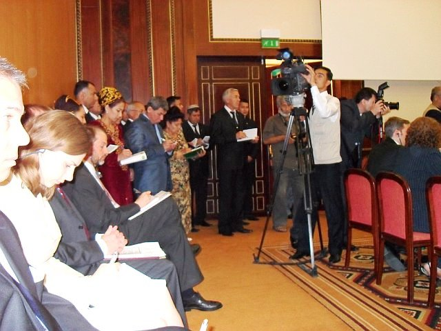 Members of the Press Take Notes at First Annual Bilateral Consultations Between Turkmenistan and the United States