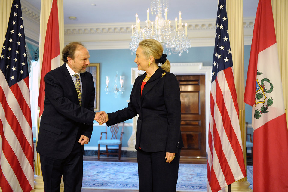 Secretary Clinton Meets With Peruvian Prime Minister Salomon Lerner Ghitis