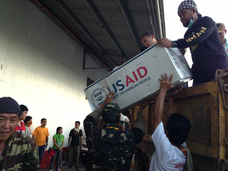 Emergency Relief Arrives in Tacloban