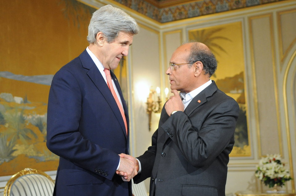 Tunisian President Marzouki Greets Secretary Kerry in Tunis