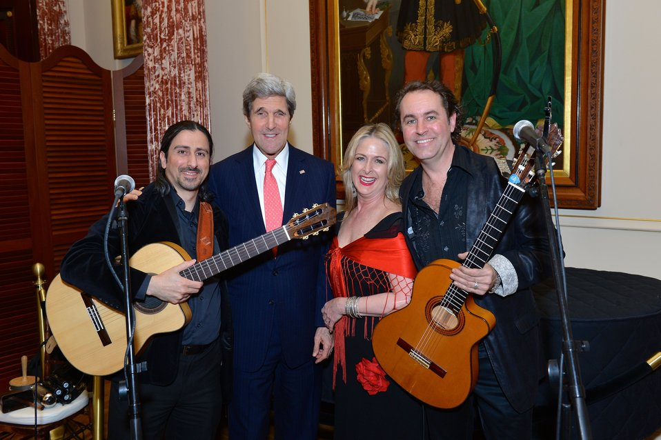 Secretary Kerry Poses for a Photo With 'Trio Caliente'