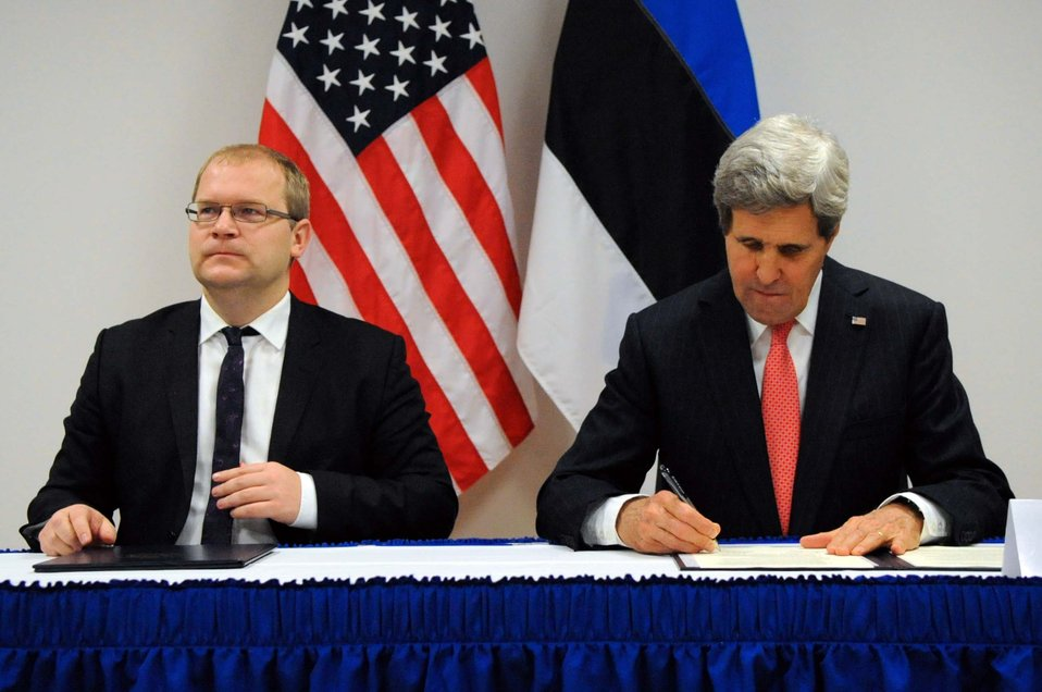 Secretary Kerry and Estonian Foreign Minister Paet Sign the U.S.-Estonia Cyber Partnership Statement