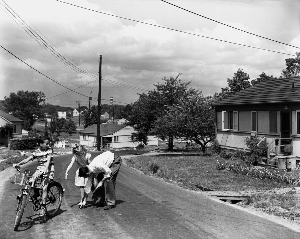 Setting up photo for Saftey Billboard in Oak Ridge 1948