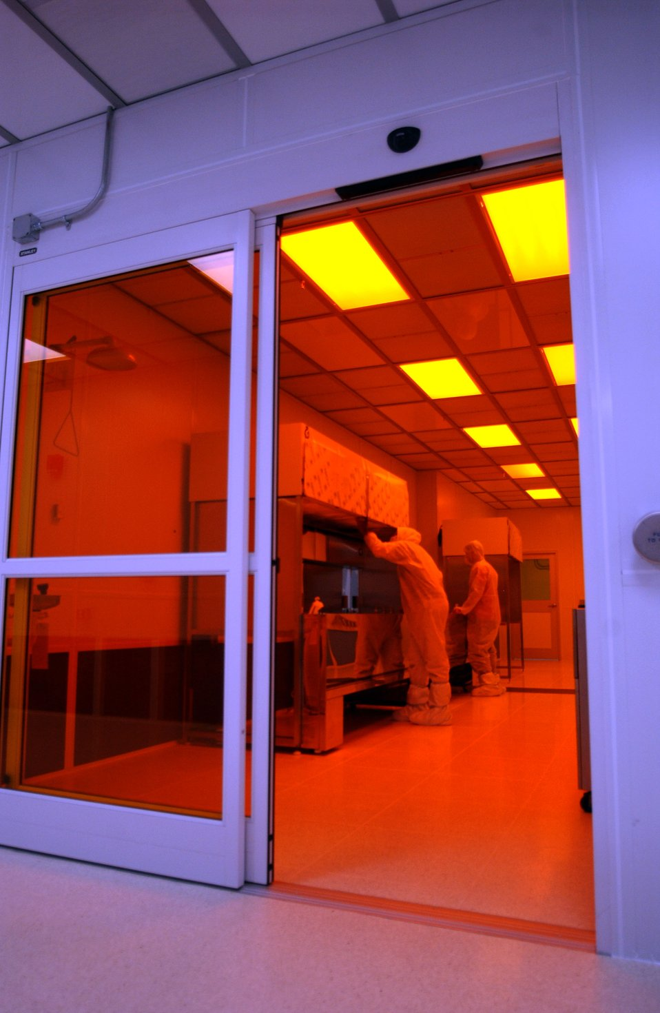 Clean Room at Center for Nanophase Materials Sciences