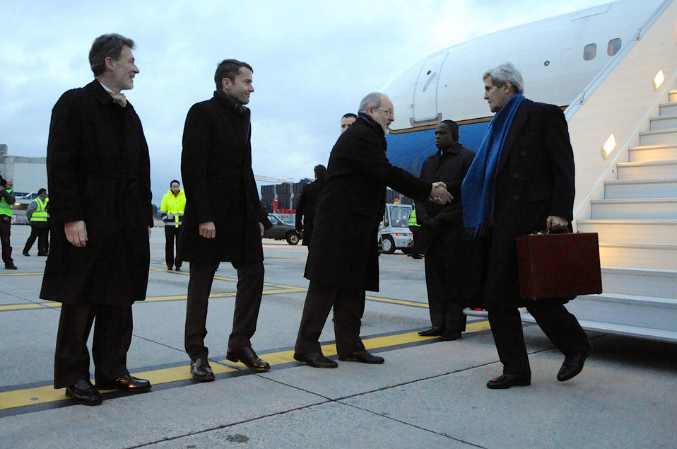 Secretary Kerry Greeted Upon Arrival in Geneva