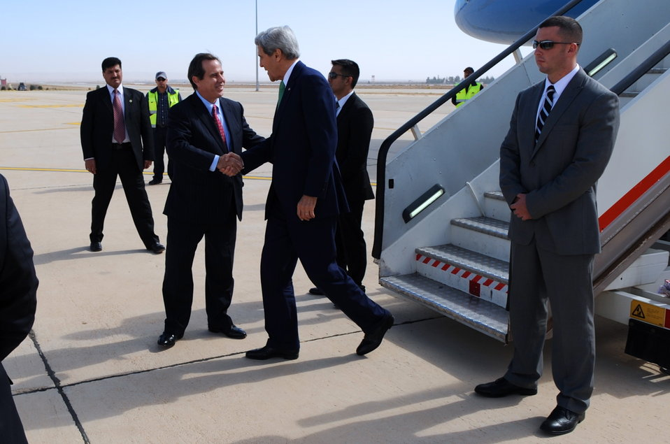 Secretary Kerry Arrives in Amman for Talks on Middle East Issues