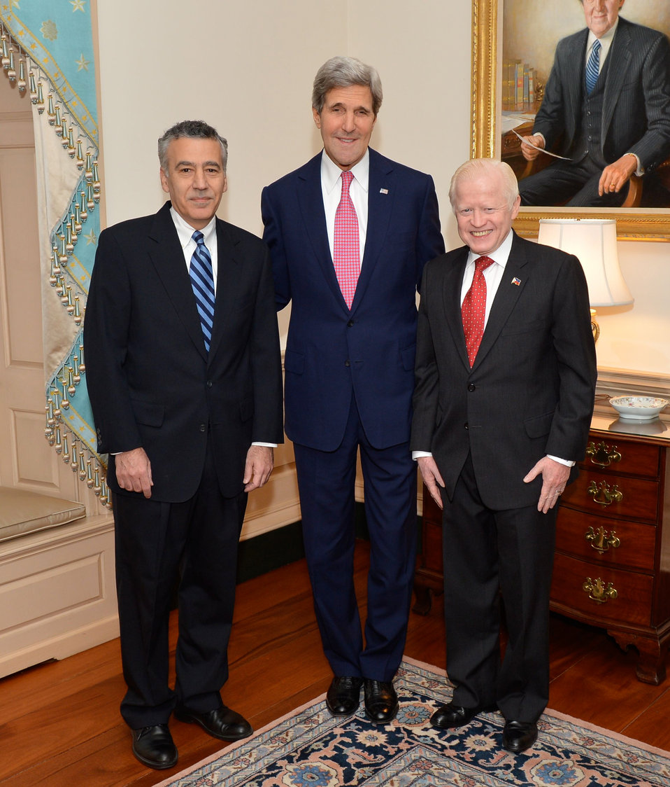 Secretary Kerry, Ambassadors Goldberg and Cuisia Pose for a Photo at Ambassador Goldberg's Swearing-In Ceremony