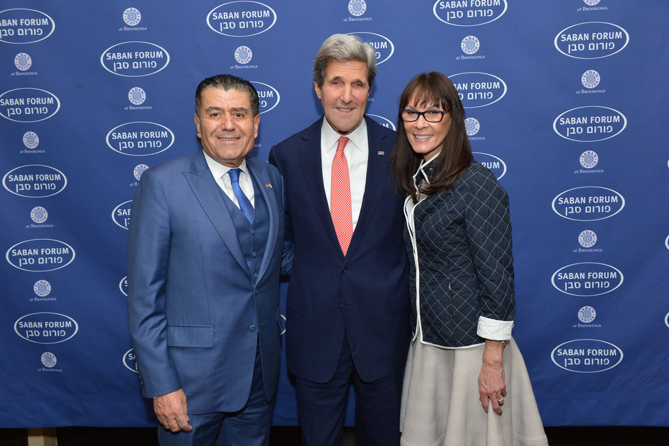 Secretary Kerry, Chairman Saban, and Senior Fellow Rubin Pose for a Photo
