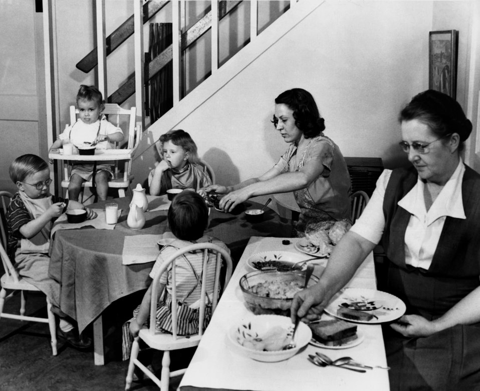 Children Around Table Eating at Nesper House Oak Ridge