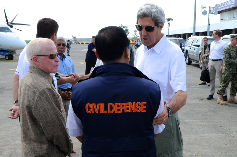 Secretary Kerry Speaks With Filipino Officials About Typhoon Haiyan Damage
