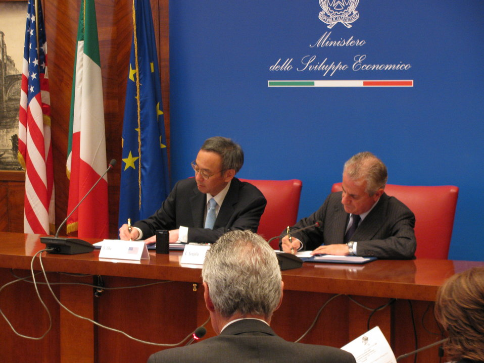 Signing of CCS Agreement with Italy