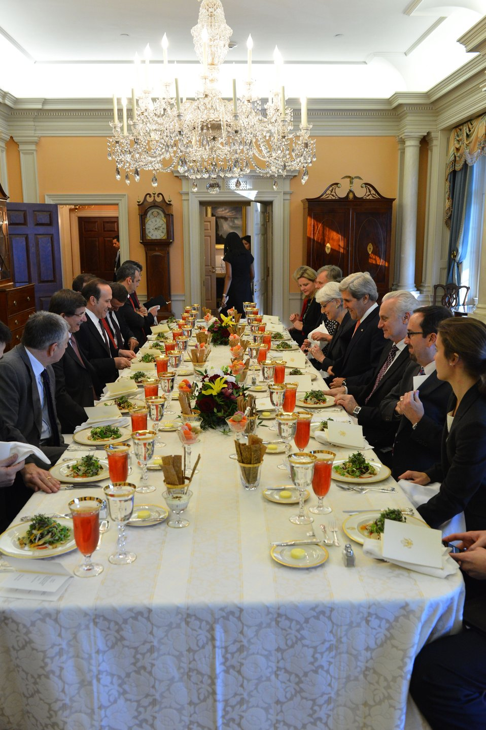 Secretary Kerry Holds a Working Lunch With Turkish Foreign Minister Davutoglu