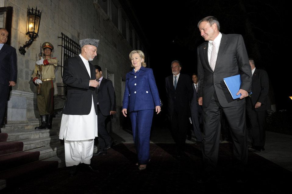 President Karzai Welcomes Secretary Clinton and Ambassador Eikenberry to the Presidential Palace