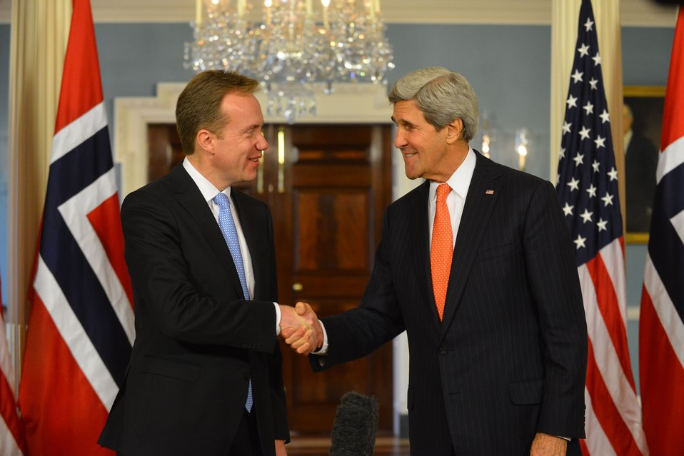 Secretary Kerry Shakes Hands With Norwegian Foreign Minister Brende