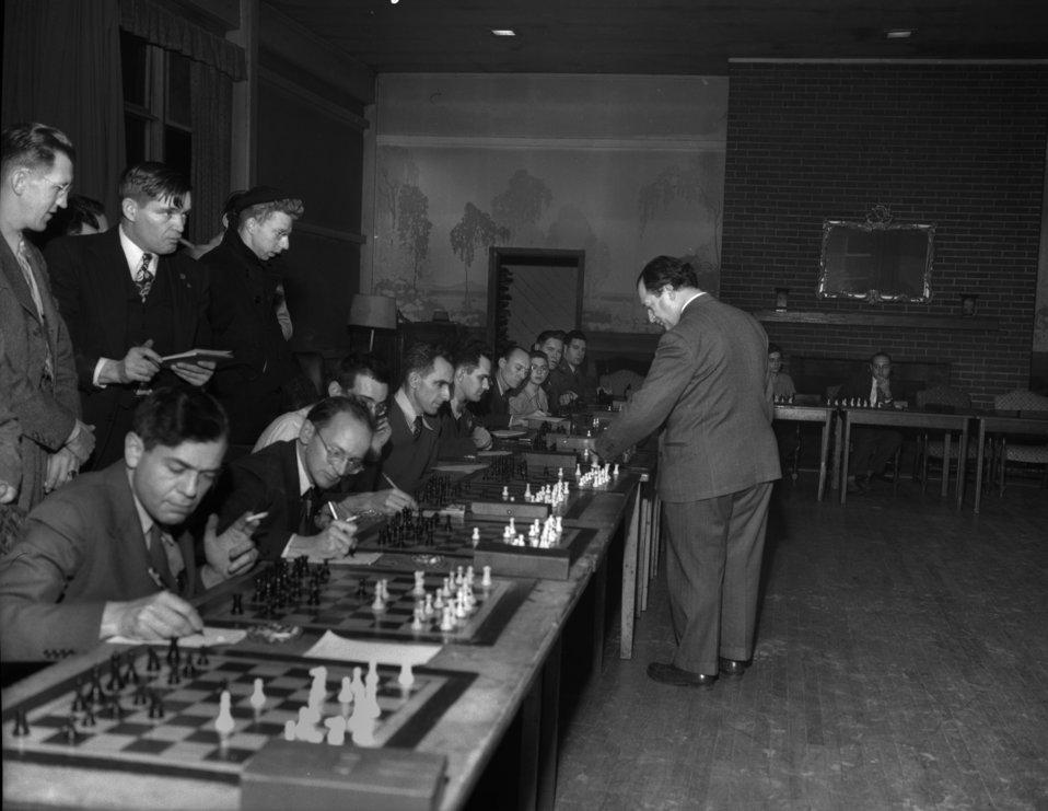 Chess expert George Koltanowski