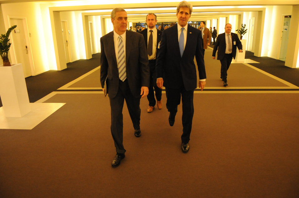 Secretary Kerry, Ambassador Lute Walk Through NATO Headquarters