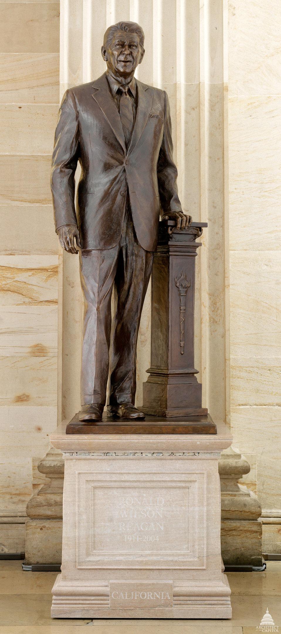 Ronald Wilson Reagan Statue