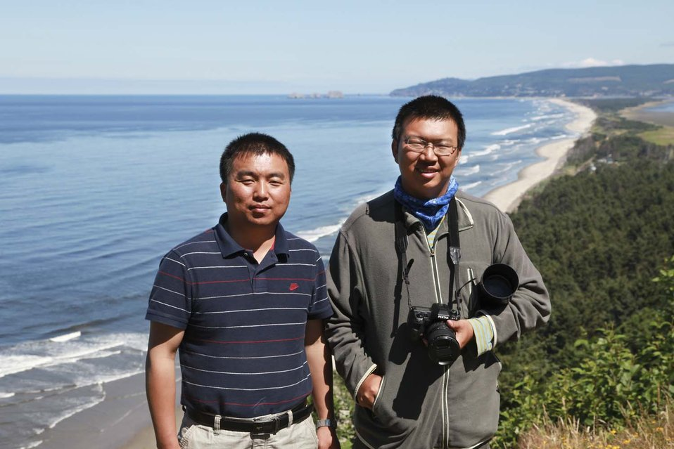 Xu Yingshou and Jia Yifei at Three Arch Rocks