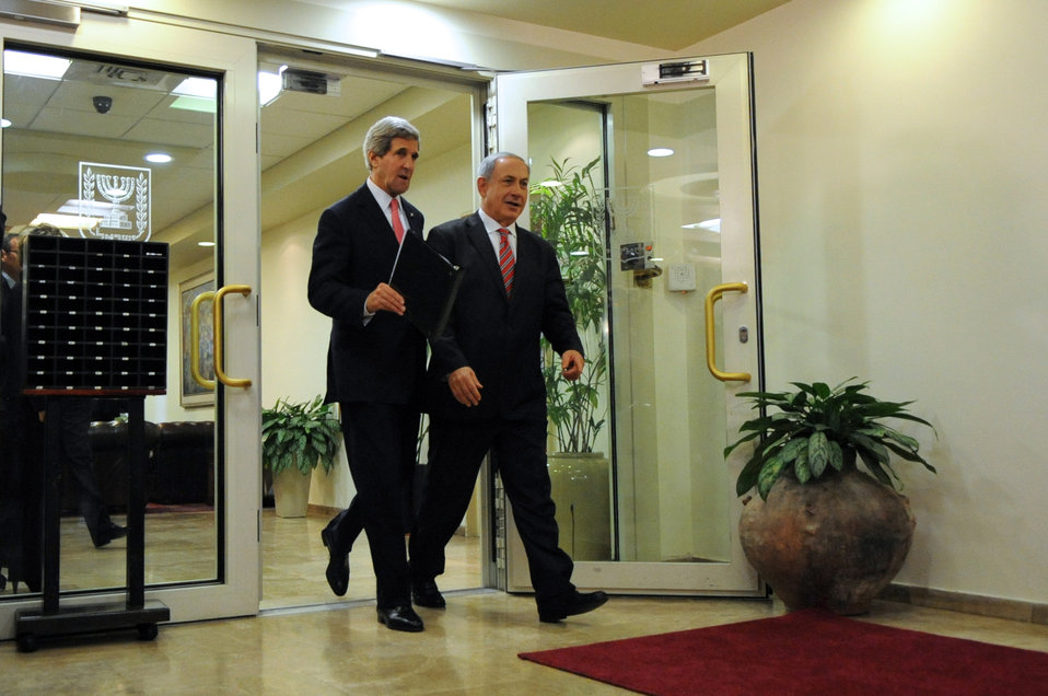 Secretary Kerry and Israeli Prime Minister Netanyahu Arrive for a Press Conference