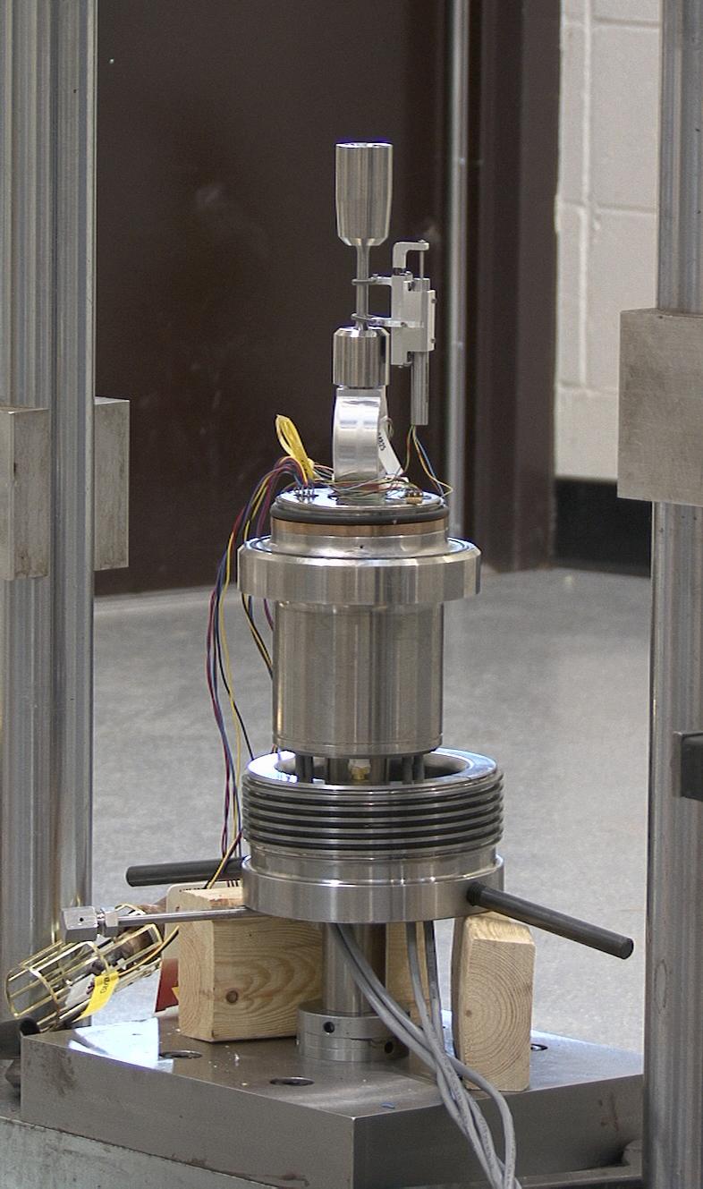 High pressure hydrogen test chamber