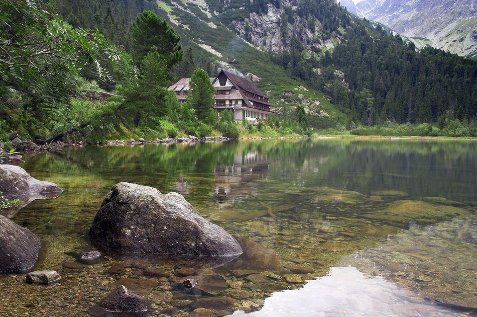 Chalet next to tarn