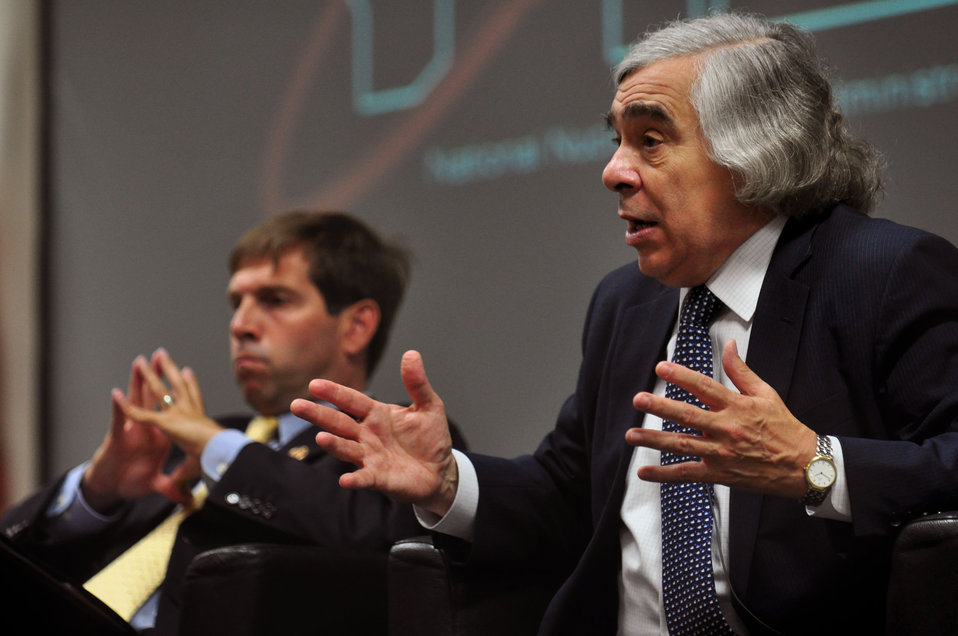 DOE Secretary of Energy Ernest Moniz   in Oak Ridge