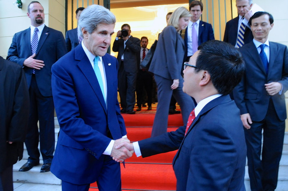 Secretary Kerry Bids Farewell to Vietnamese Foreign Minister Minh