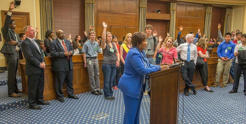 Congresswoman Eddie Bernice Johnson and SURF students