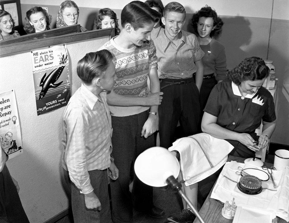 T.B. Testing at Jefferson Jr. High Oak Ridge 1947