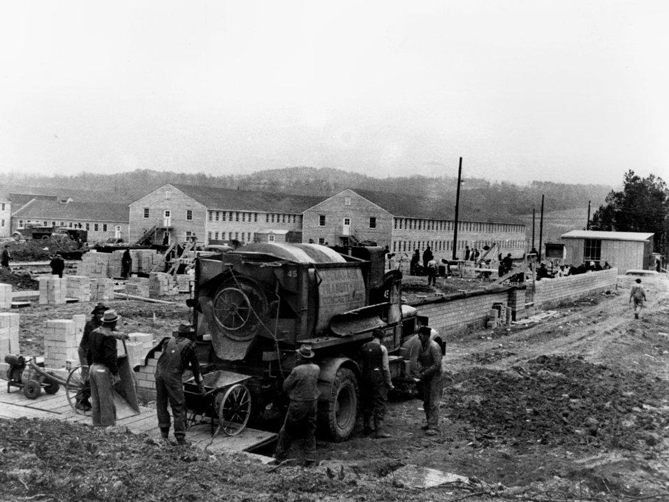 Early Construction of ACE Bldgs Oak Ridge