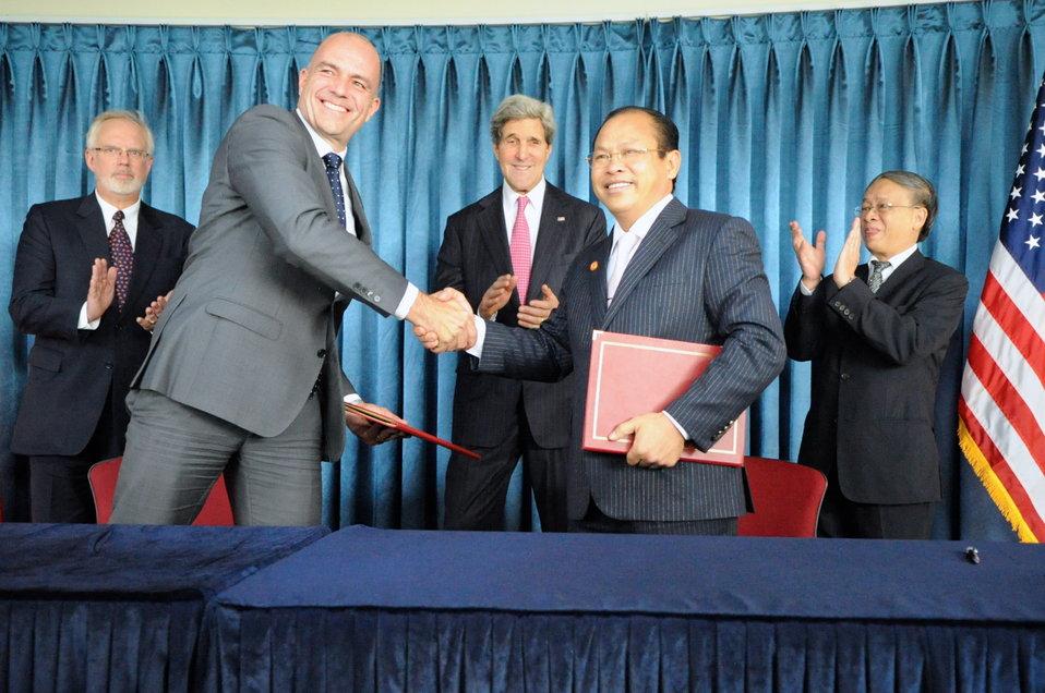 Secretary Kerry Lauds GE Windfarm Deal