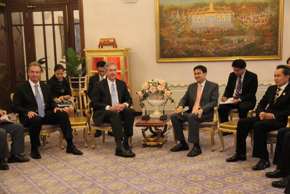 Under Secretary Burns, Ambassador John, Thai Prime Minister Abhisit Vejjajiva, and Thai Senior Government Officials Discuss U.S.-Thailand Relations