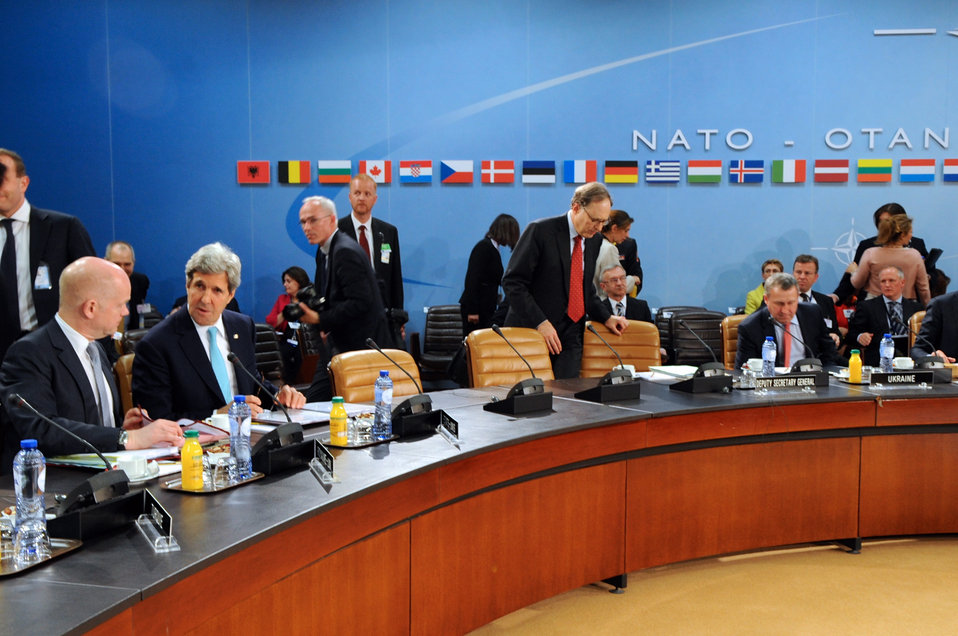 Secretaries Kerry, Hague Join NATO-Ukraine Commission Session in Brussels