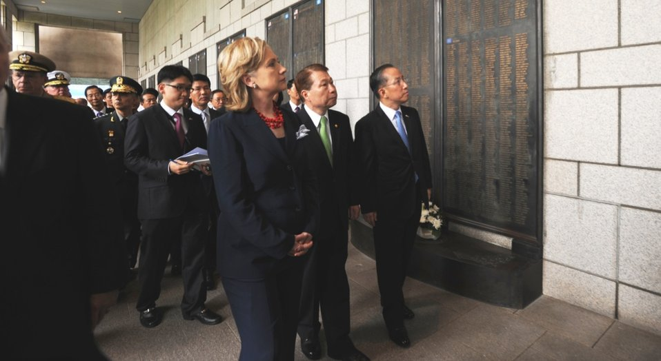 Secretary Clinton Views the Names of U.S. Soldiers Killed in the Korean War