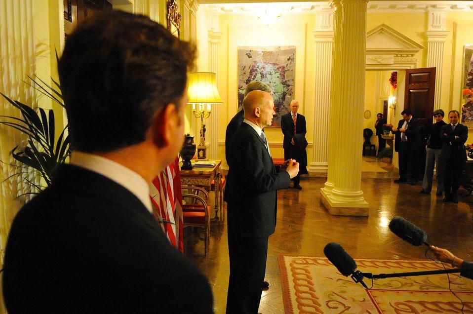 Secretary Kerry, UK Foreign Secretary Hague Address Reporters in London
