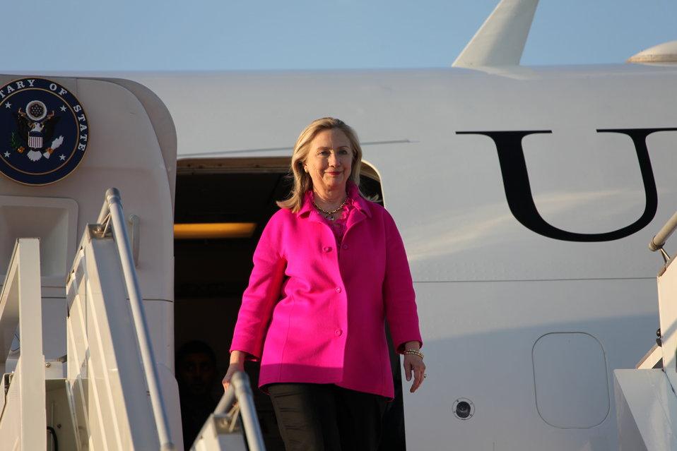 Secretary Clinton Arrives in Nay Pyi Taw