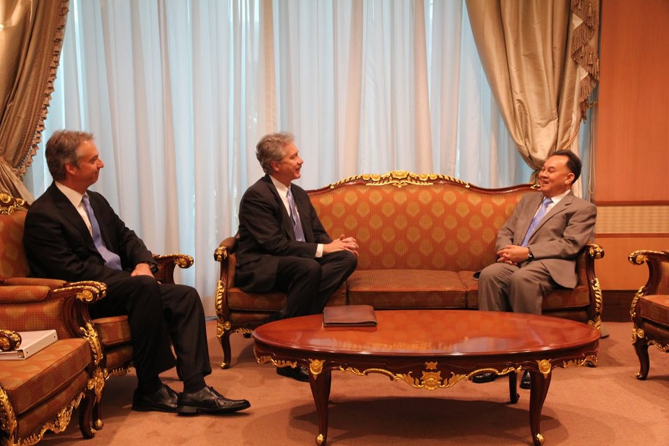 Under Secretary Burns, Ambassador John, and Thai Foreign Minister Kasit Piromya Participate in a Meeting