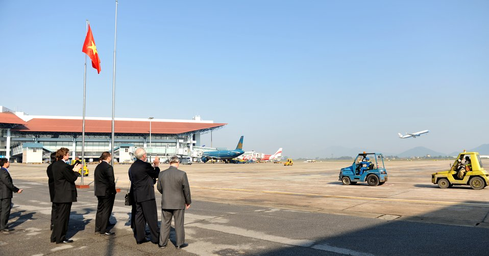 Secretary Kerry Departs Hanoi's Noi Bai International Airport