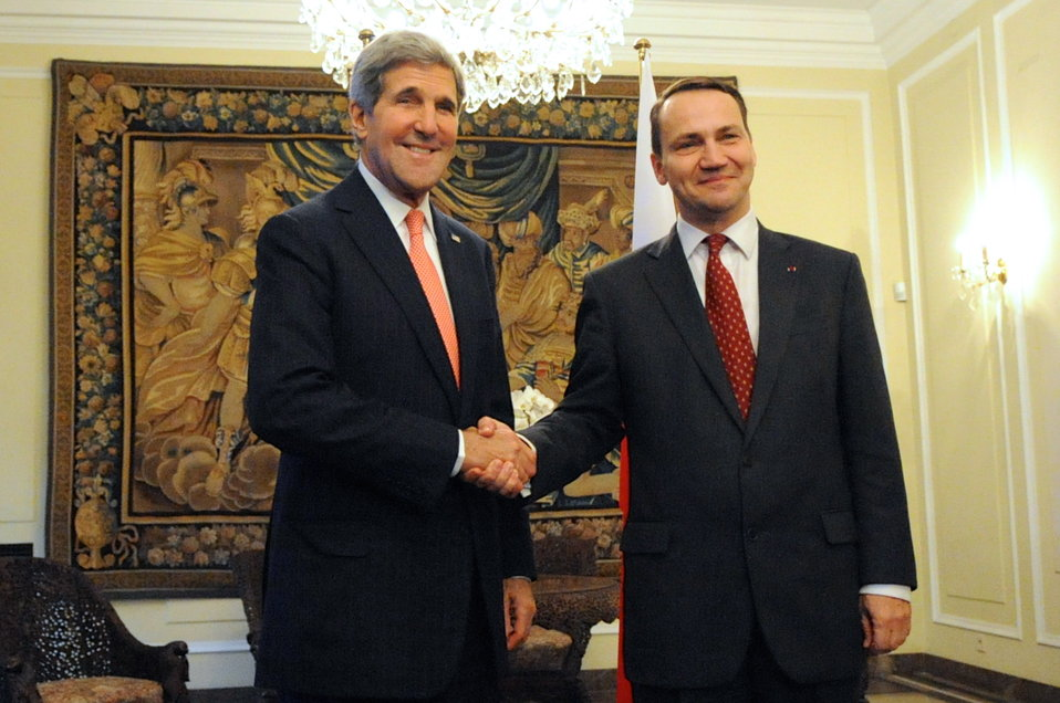 Secretary Kerry and Polish Foreign Minister Sikorski Pose for a Photo
