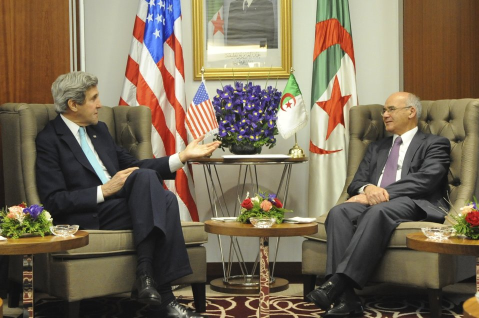 Secretary Kerry Meets With Acting Algerian Prime Minister Yousfi in Algiers