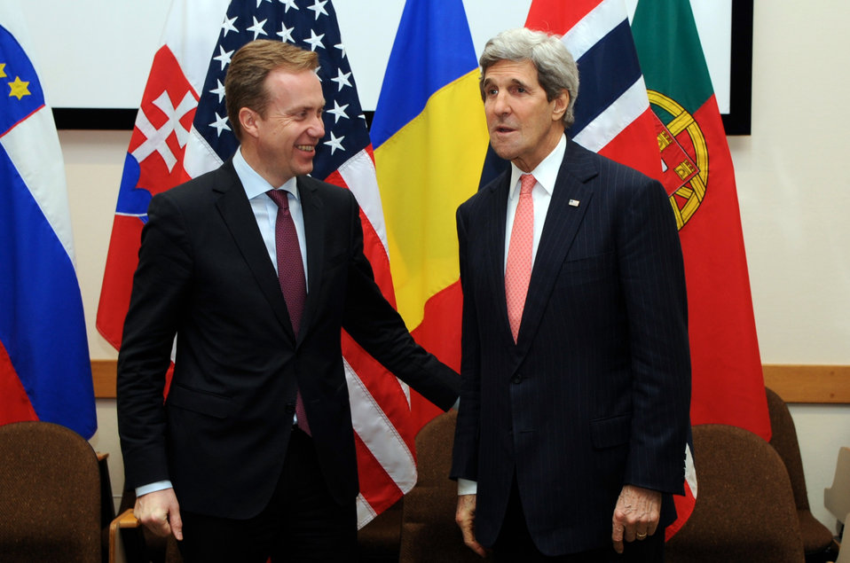 Secretary Kerry Meets With Norwegian Foreign Minister Brende in Brussels