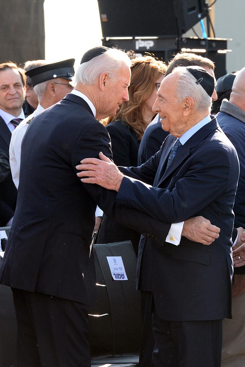 Vice President Biden Embraces Israeli President Peres