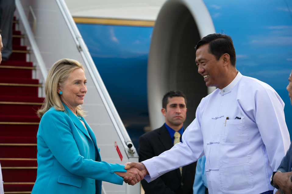 Secretary Clinton Arrives in Rangoon